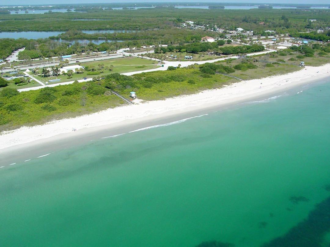 Aerial image of Pepper Park beachside